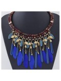 0910. Синий  цвет. Подвеска из перьев птиц