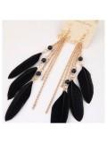 09. Черный цвет. Серьги из перьев страуса.