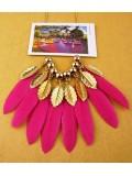 0933. Фуксия цвет. Подвеска из перьев птиц