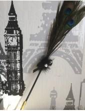 В-2.  Черный цвет. Ручка с перьями павлина