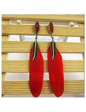 32. Красный  цвет. Серьги из перьев птиц