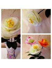 1008. 1 шт.  Роза из цветного капрона