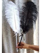 А-2. 1 шт. Черный цвет. Ручка из пера страуса
