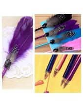 О-3. 1 шт. Фиолетовый цвет. Ручка с перьями птиц