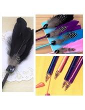 О-4. 1 шт. Черный цвет. Ручка с перьями птиц