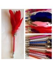 Х-4. Красный цвет. Ручка с перьями птиц