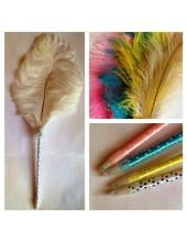 Д-1. Белый цвет. Ручка с пером страуса
