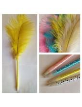 Д-3. Желтый цвет. Ручка с пером страуса
