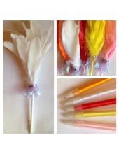 М-1. Белый цвет. Ручка с перьями птиц
