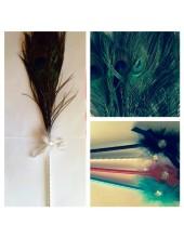 А-1. Белый цвет. Ручка с перьями павлина