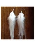 110. Белый цвет. Серьги из перьев птиц