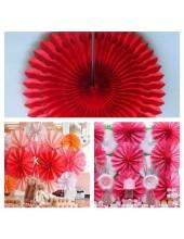 1 шт. Красный цвет. Веер ажурный. Размер 30 см.