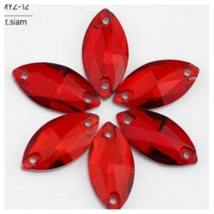 Красный прозрачный цвет. Стразы стекло 33*15.  1 шт.  Navette #15