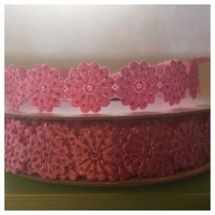М-8. 20 м Розовый цвет цвет. Тесьма кружевная. Цветочек 1.5 см