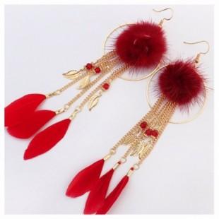 Красный цвет. Серьги из перьев