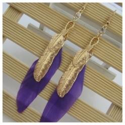 48. Фиолетовый цвет. Серьги из перьев птиц