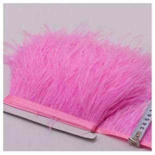 1 м. Ярко-розовый цвет. Тесьма из перьев страуса 10- 15 см
