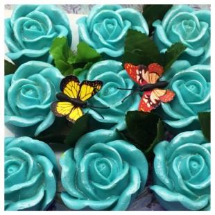 9 Роз в подарочной коробочке. Голубой цвет.
