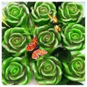 9 Роз в подарочной коробочке. Зеленый цвет.