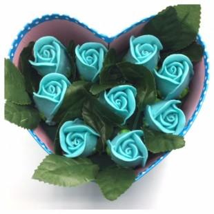 9 роз. Голубой цвет. Сердечко голубое. 19 х 15 х 7.