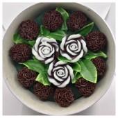 13 роз. Шоколад цвет. Цветная коробка. 22 х 10. Средняя коробка