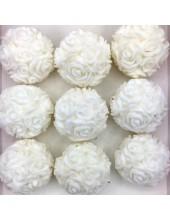 Розы шар в подарочной коробочке. Белый цвет.