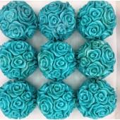 Розы шар в подарочной коробочке. Голубой цвет.