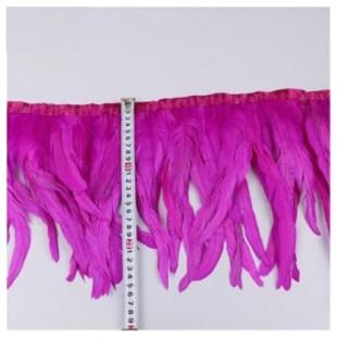 1 м. Фуксия цвет. Тесьма цветная из перьев петуха 25-30 см