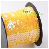 Желтый цвет.  Пайетки на бобине.  6 мм  90м