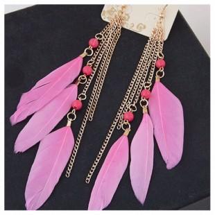 17. Розовый цвет. Серьги с перьями