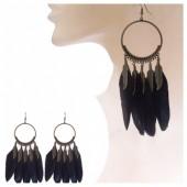 03. Черный цвет. Серьги из перьев страуса.