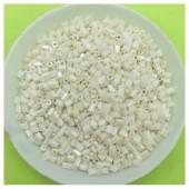 50 гр. Бело-молочный цвет. Стеклярус. № 26