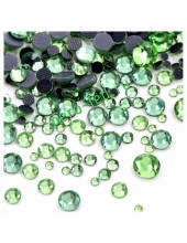 SS12.. Зеленый цвет.  #17. Стразы клеевые холодной фиксации с плоским основанием. Огранка Люкс 14 граней. Упаковка 1400 шт.