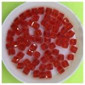 № 30. 100 шт. Красный цвет. Бусинки кубики. № 5