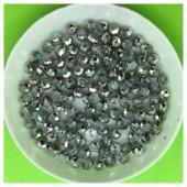 4 мм. 150 шт. Серебро цвет. Бусинки круглые с огранкой стеклярус № 13