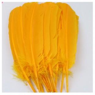 1 шт. Желто-оранжевый цвет. Гусиное перо 25-30 см