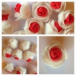 2121. Белый-красный цвет. Цветные головки роз 3 см