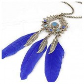 0914. Синий цвет. Подвеска из перьев птиц