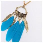 0957. Голубой цвет. Подвеска с перьями
