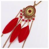 0960. Красный цвет. Подвеска с перьями