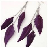 235. Фиолетовый цвет. Серьги с перьями