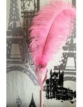 А-4. Розовый  цвет. Ручка из перьев
