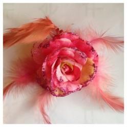 ЕЕ-2. Розовый цвет. Заколки с перьями птиц и броши