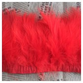 1 м. Красный цвет. Тесьма из перьев боа. Ширина 5-7 см.