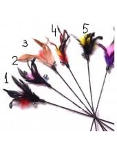 692. 1 шт. Бордо цвет. Игрушка из перьев птиц с колокольчиком