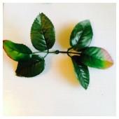 525. 10 шт. Листочки для цветов из цветного капрона
