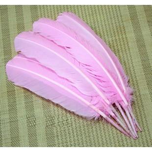 Розовый цвет. Гусиное перо 25-30 см