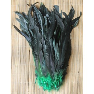 1 шт. Зеленый цвет.  Перья петуха 20-30 см. 2-х цветное