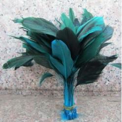 20 шт. Голубой цвет. Перо петуха. Кисточка 10-20 см. 2-х цветное