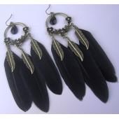 05. Черный цвет. Серьги из перьев птиц
